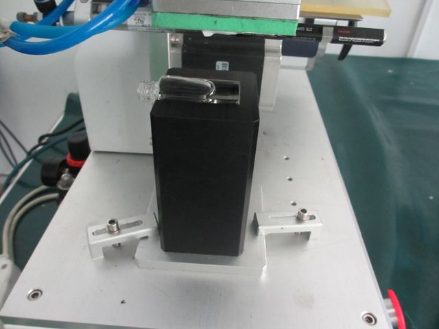 mould for labeling machines.jpg