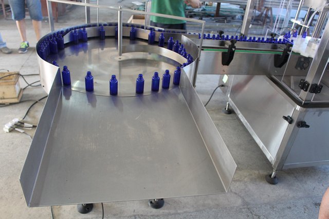 turntable for feeding bottles.jpg