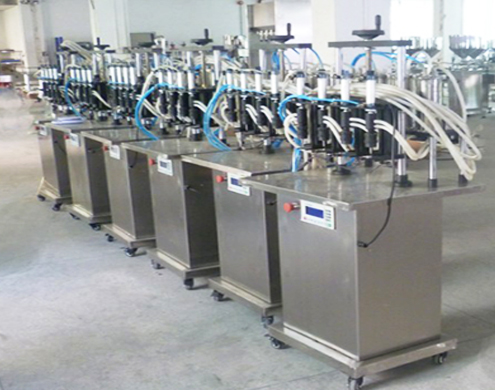 vacuum filling machine semi automatic 4 heads.jpg