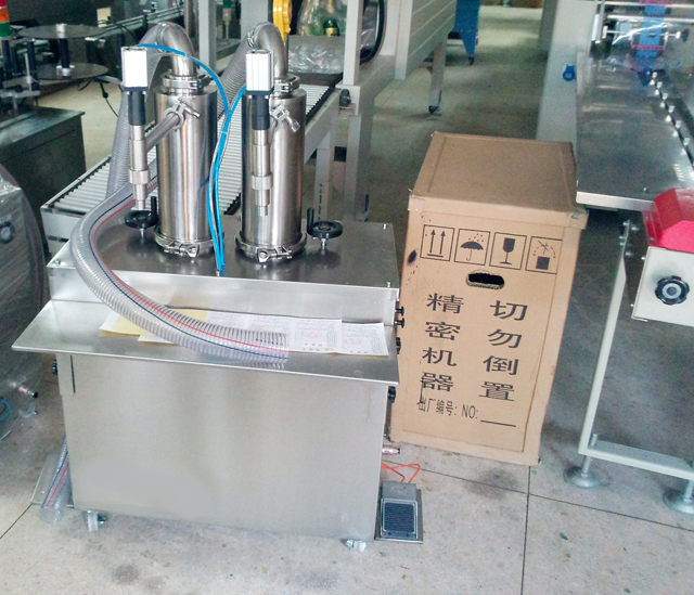 Vertical filling machine double heads 2000ml cream filler equipment semi automatic filling machine
