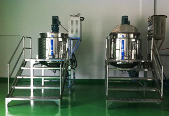 mixing machines tank.jpg